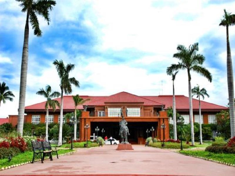 Fort Ilocandia Hotel in Laoag City