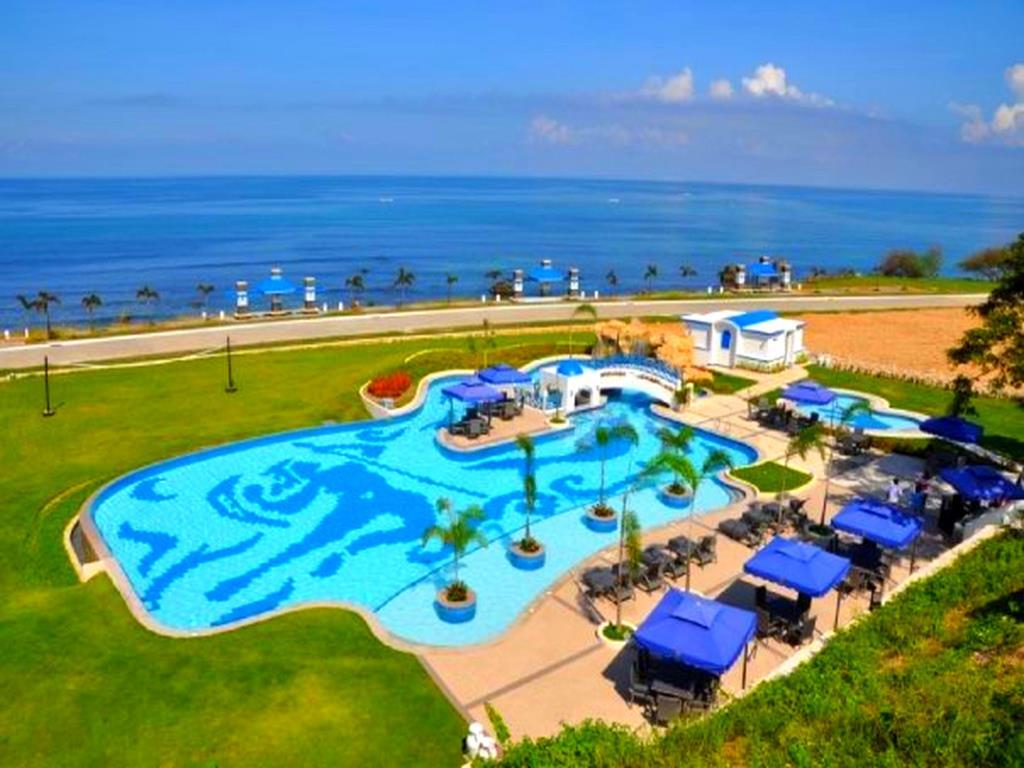 Poro Beach Resort
